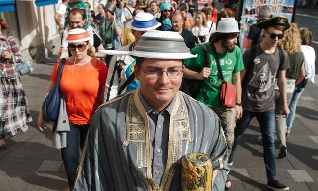 Gayburg: La Nuova Zelanda autorizza la Chiesa Pastafarianiana alla celebrazione di matrimoni (anche gay)