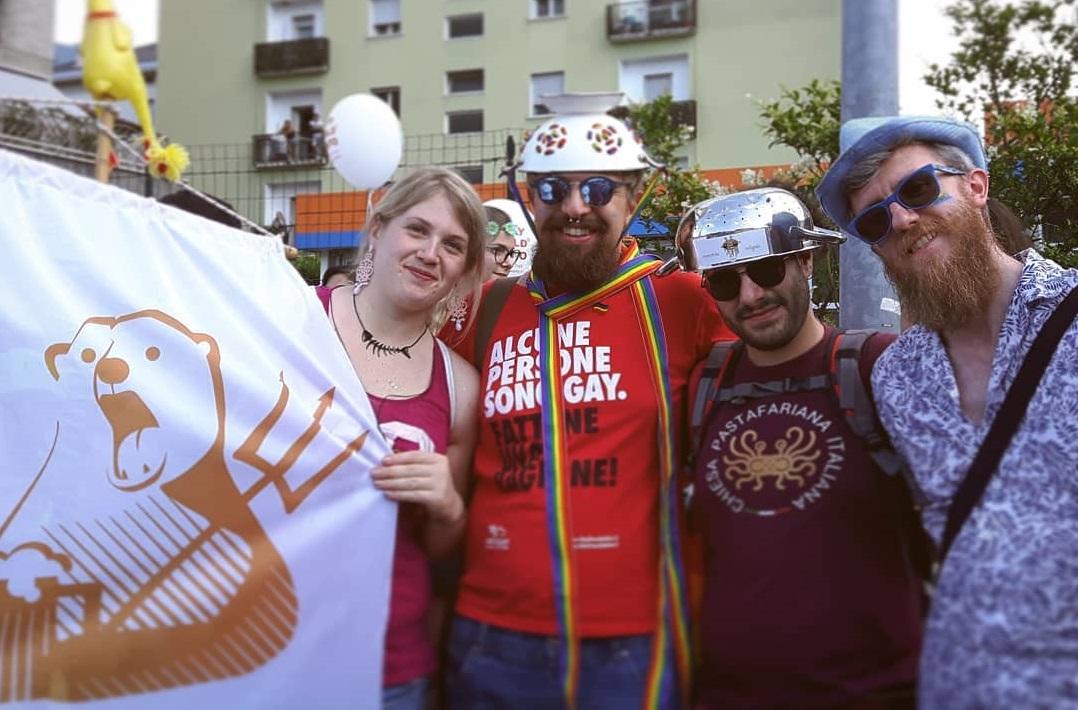 TG RTTR Notizie :  L'arcobaleno Illumina Trento – Dolomiti Pride 2018